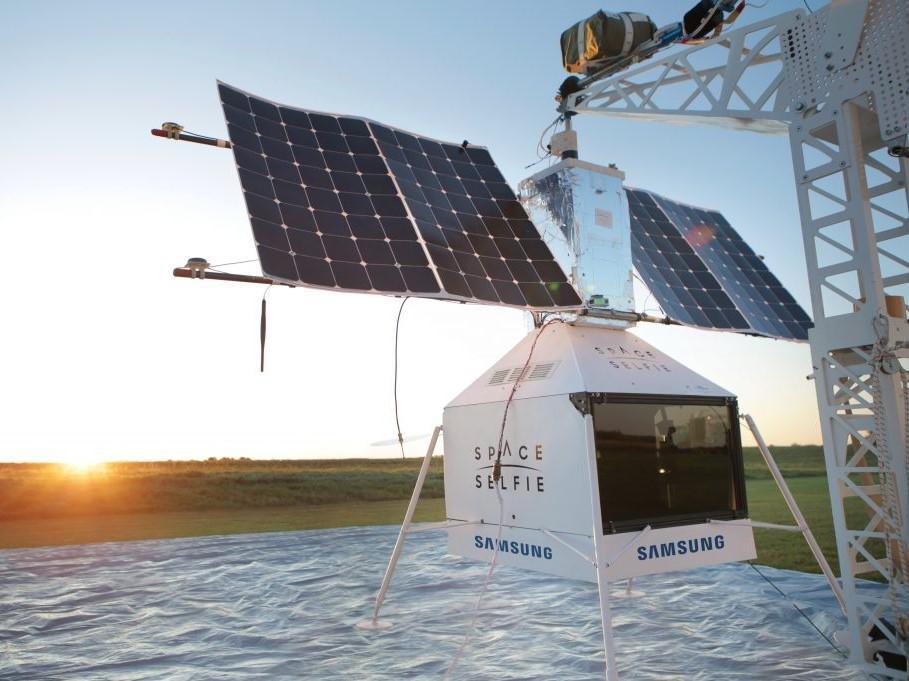 El accidente del satélite y la selfie espacial & # 39; de Samsung aterriza en el jardín