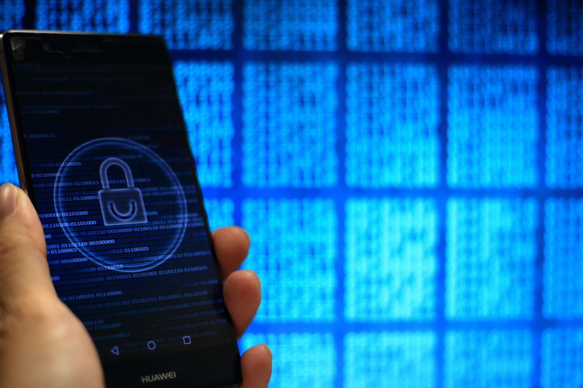 Una falla de Google permitió a los hackers acceder a teléfonos Android a través de una cámara