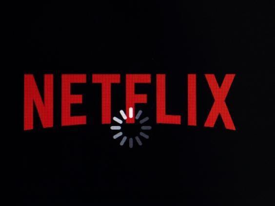 """Netflix está introduciendo lentamente el botón """"barajar"""" para usuarios indecisos"""