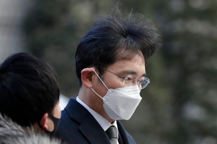Los fiscales buscan una sentencia de prisión de 9 años para el jefe de Samsung, Lee, beneficia a Samsung Park Geun-hye AP Corea del Sur