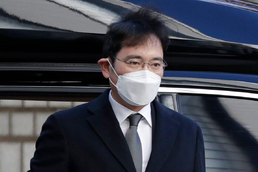 El vástago de Samsung, Lee, no apelará la sentencia de prisión por corrupción.